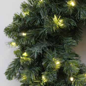 Northern Douglas Fir Christmas Artificial Christmas Wreath Pre-lit with LED Lights