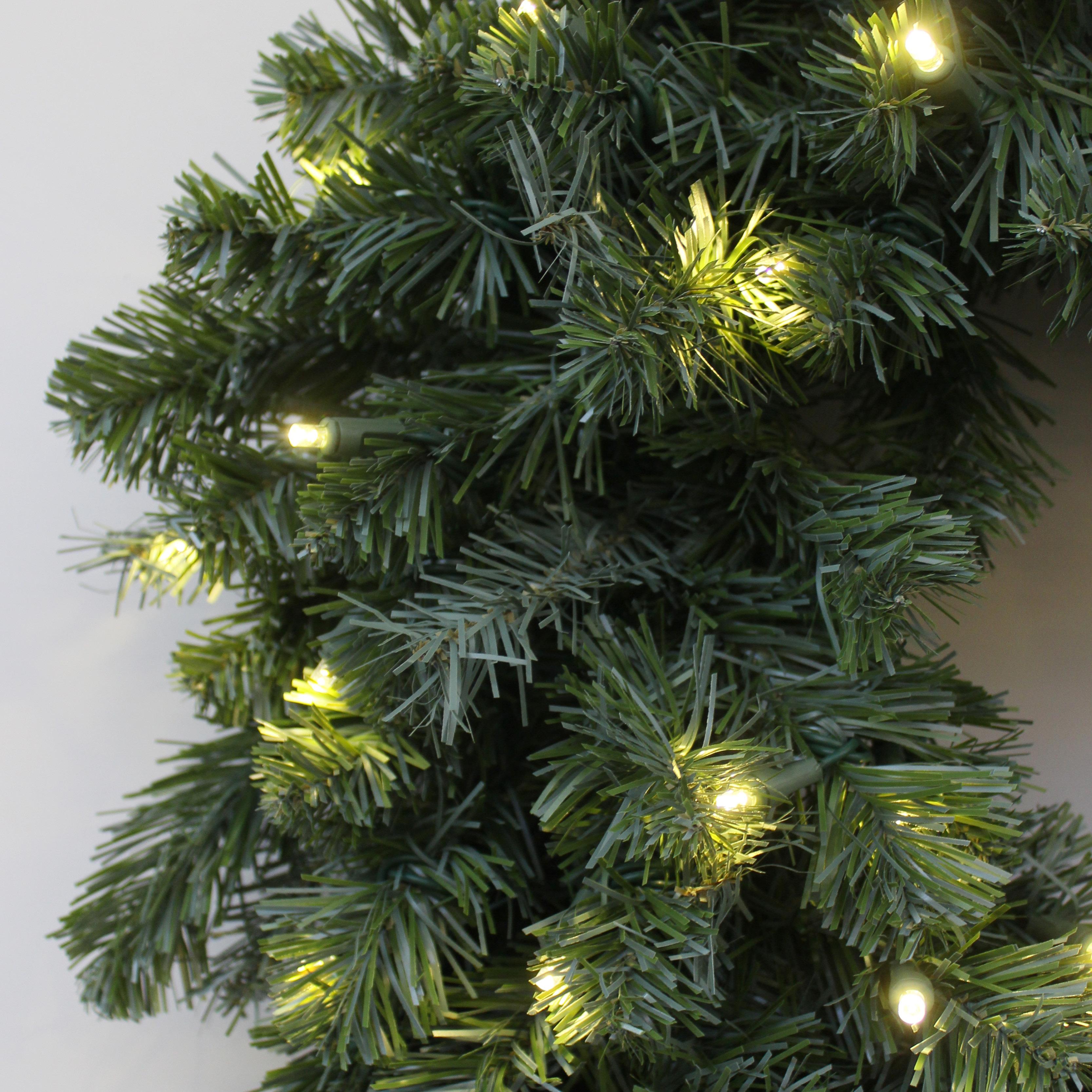 Northern Douglas Fir Christmas Artificial Christmas Wreath Pre-lit with LED Lights